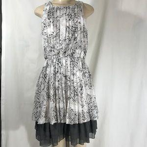 Beautiful Jessica Simpson Midi dress size M